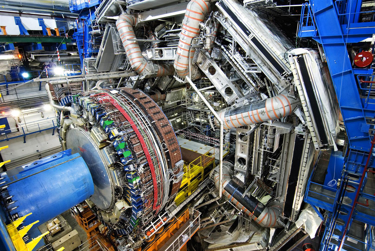 """Nueva aplicación """"LHC Quizzes"""""""